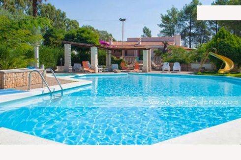 Villa piscina esclusiva idromassaggio campagna Salentina per 3-4-5 famiglie