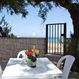 Villa accesso diretto al mare per 2 famiglie: https://www.villesalento.it/index.html#/Villa/Affitto/m160