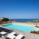 https://www.villesalento.it/index.html#/Villa/Affitto/m500