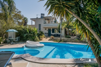 Holiday villa code m400